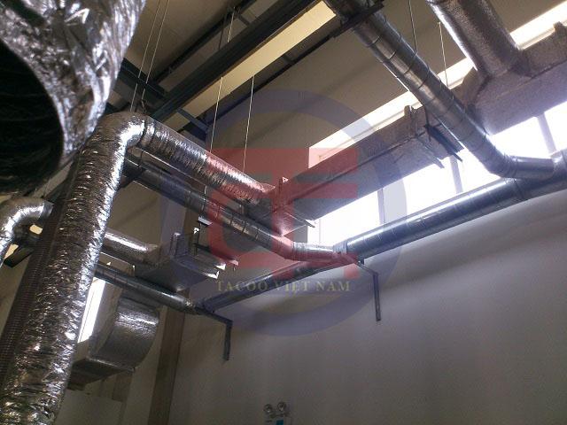 Hệ thống đường ống hút tại nhà máy sơn được lắp đặt bởi Tacoo Việt Nam