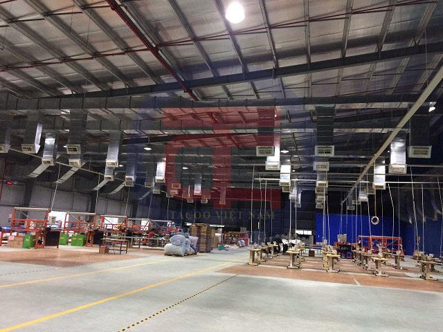 Đường ống gió tại xưởng mở rộng
