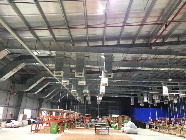 Hệ thống thông gió và làm mát nhà xưởng được lắp đặt hoàn chỉnh