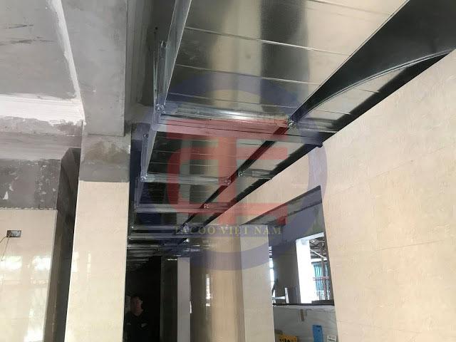Hệ thống hút khói mùi tại bếp ăn