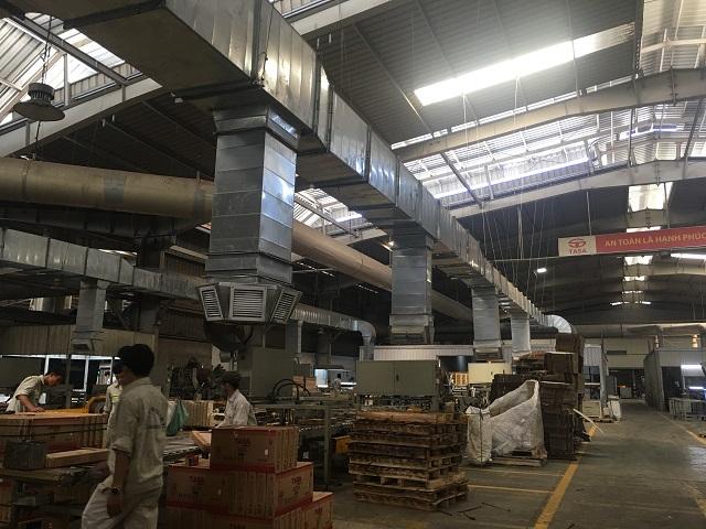 Sản phẩm cửa gió nhựa nan thẳng được lắp đặt trong hệ thống đường ống