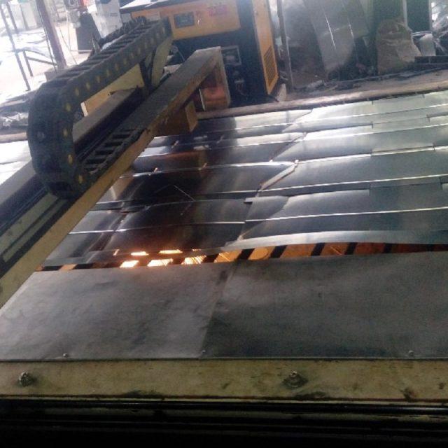 Máy cắt CNC Plasma trong hoạt động sản xuất ống gió