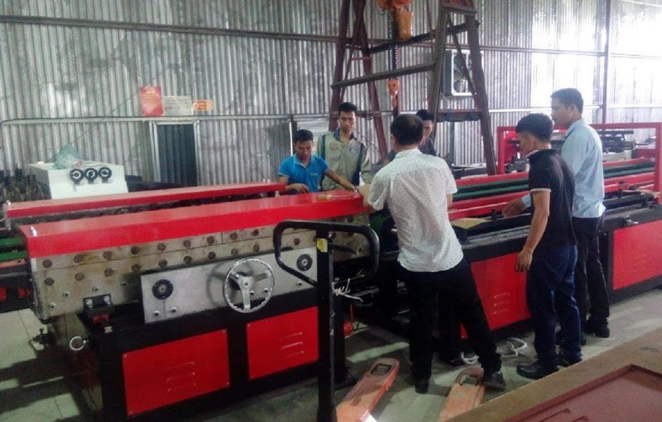 Lắp đặt máy móc và hướng dẫn sản xuất
