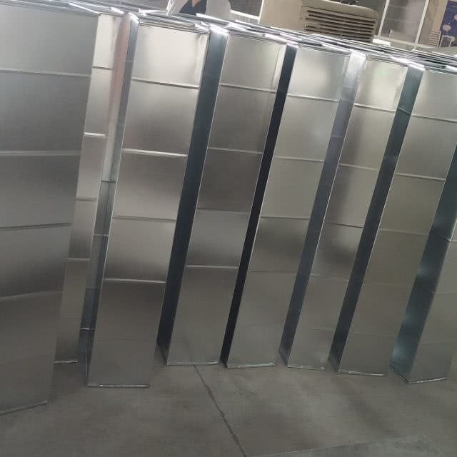 Sản xuất ống gió vuông