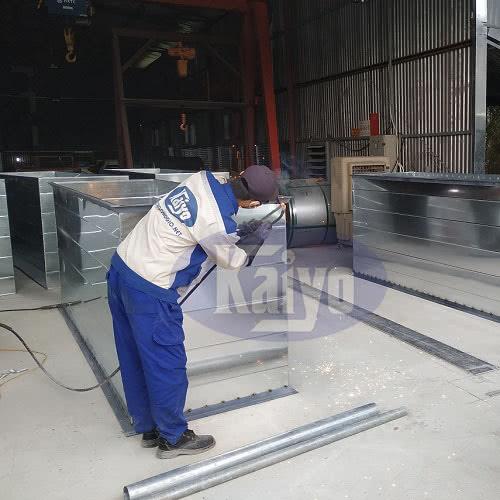 Ống gió vuông bích V được gia công sản xuất bởi Kaiyo Việt Nam