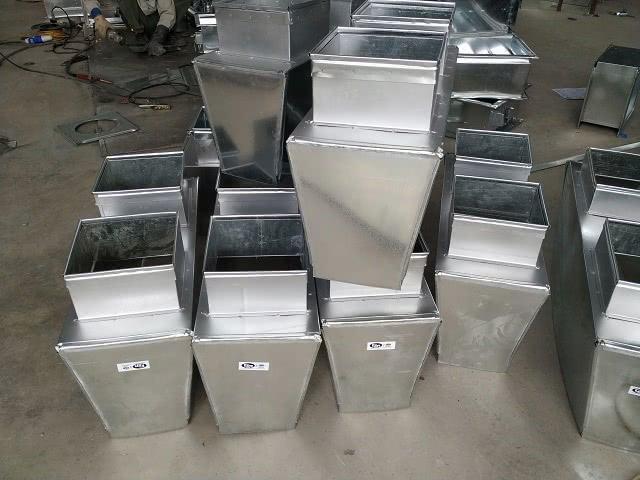 Sản phẩm phụ kiện hộp gió vuông tại cửa hàng Kaiyo