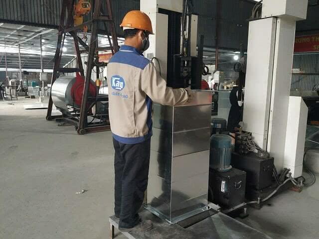 Máy là mí ống gió trong dây chuyền sản xuất ống gió vuông