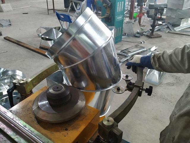 Sản xuất cút gió tròn