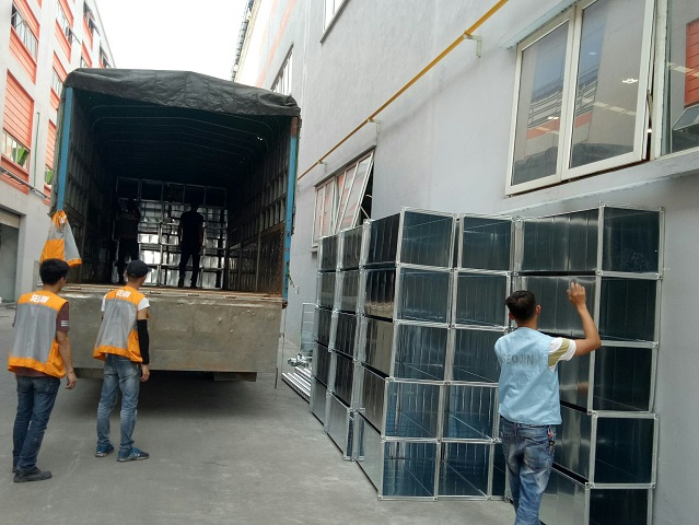 Giao nhận hàng hoá tại nhà máy Seojin Auto Bắc Ninh
