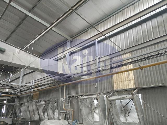 Hệ thống quạt hút được lắp đặt trong nhà xưởng