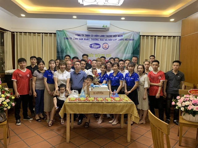Tập thể cán bộ nhân viên Tacoo - Kaiyo Việt Nam